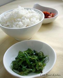 Seasoned seaweed, rice, kimchi